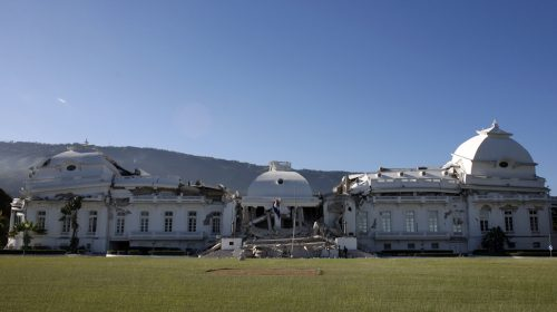 Le palais national apres le seisme - (c) IciTF1